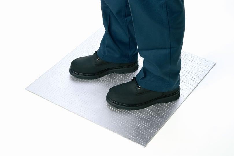 Metal Floor Plates Ross Technology - Ada slip resistance