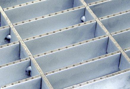 Dovetail Pressure Locked Grating